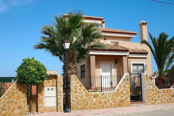 72. Detached Villa, San Miguel, Spain - 4 Bed - Sleeps 9 - Sant Miquel