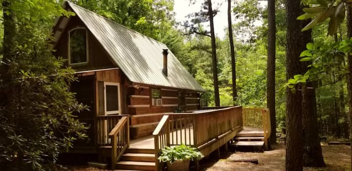 Cupid's Cove Cabin in SE TN Mountains