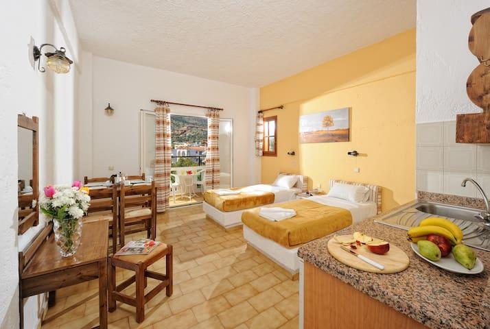 One Bedroom Apartment In the Heart of Malia - Malia - Квартира