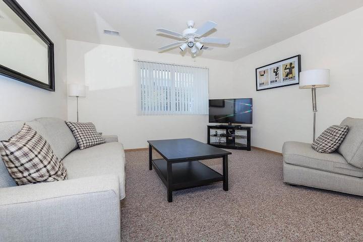 Two bedroom NIU CAMPUS DeKalb Apartment