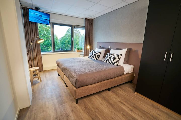 2 Room Apartment 50m2 | Near Amsterdam & Schiphol