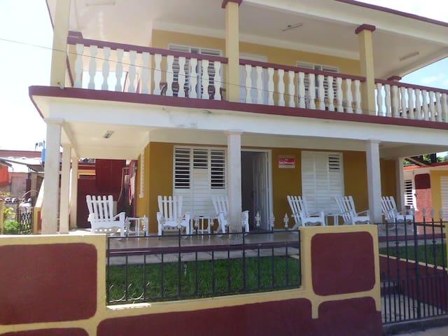 """""""Villa Los Miranda"""" (Casa Completa)"""
