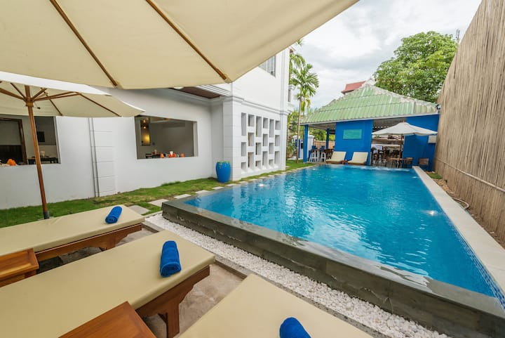 Private Twin Room in Siem Reap Free Airport pickup
