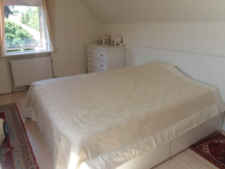 Nice bedroom close to OUH/SDU, ideal for TINDERBOX