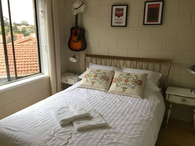 Cool and cosy 1-bedroom apartment - Coburg - Apartment