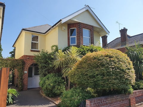 Beautiful 3 bedroom detached House in Poole.