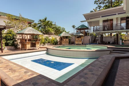 Private pool with rooms in Laguna - Andere