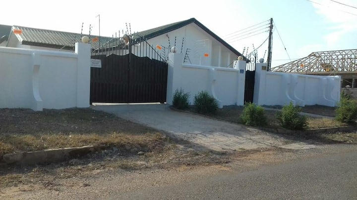 Semi Furnished 4 BD + 2 BD (out house) for rent.