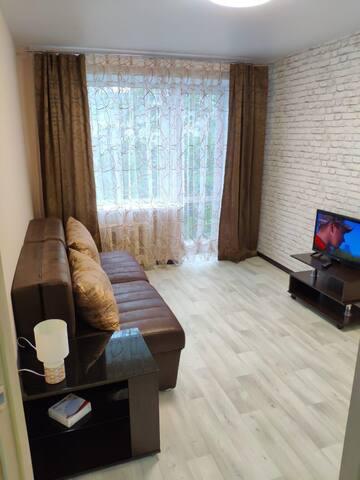 комфортабельная квартира посуточно   район Луговой