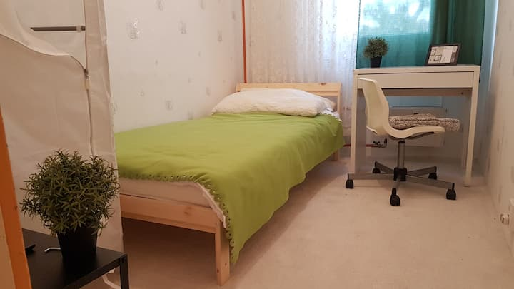 BUDGET Single Room for Mid or Long-term Rental