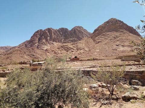 Abu Salem Lodge(2 bedroom chalet360°mountain view)