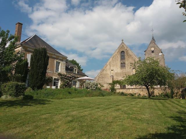 La maison des sœurs.