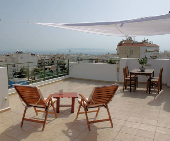Sea View Penthouse Studio with Private Terrace - Glyfada - Leilighet