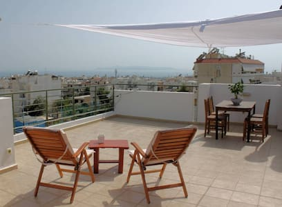 Sea View Penthouse Studio with Private Terrace - Glyfada - อพาร์ทเมนท์