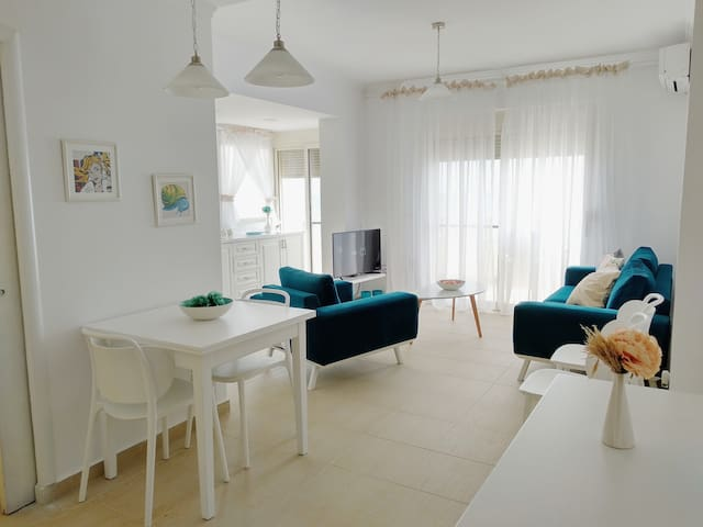 Seaside apartment with sea view balcony, Durres