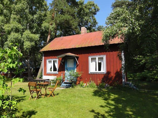 Norra Öland Löttorp-Byrum Mysig ljus stuga,lågpris