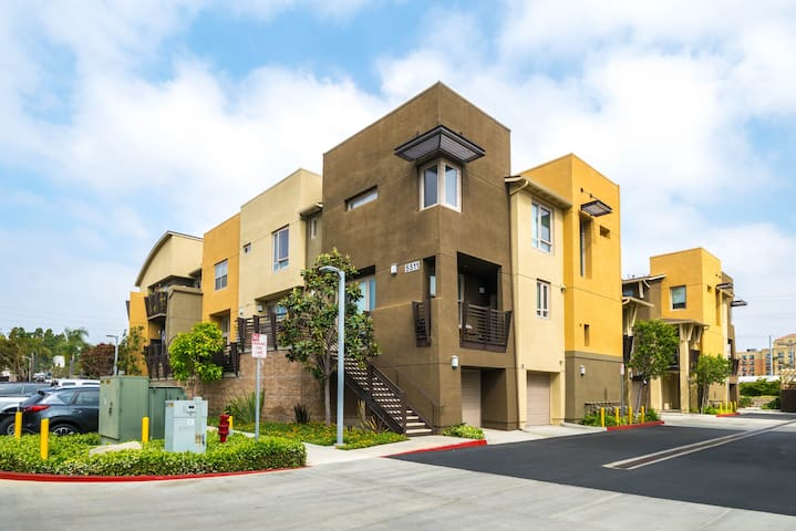Manhattan Beach, El Segundo, Hawthorne Townhouse!