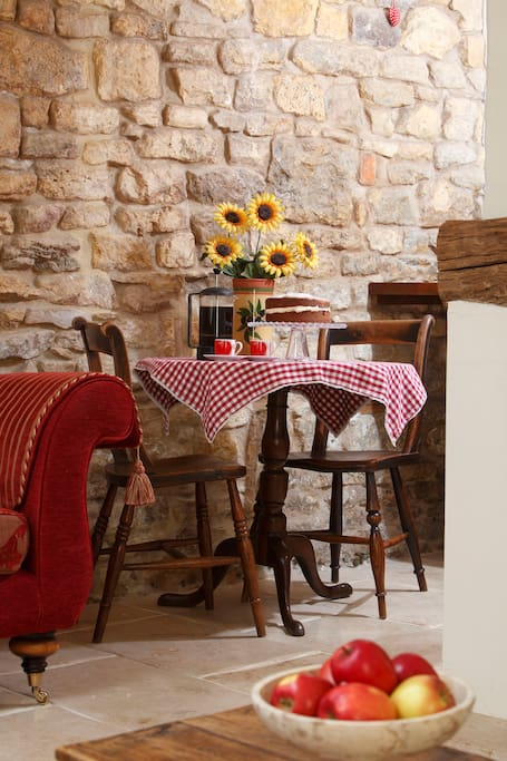 Small dining table & chairs