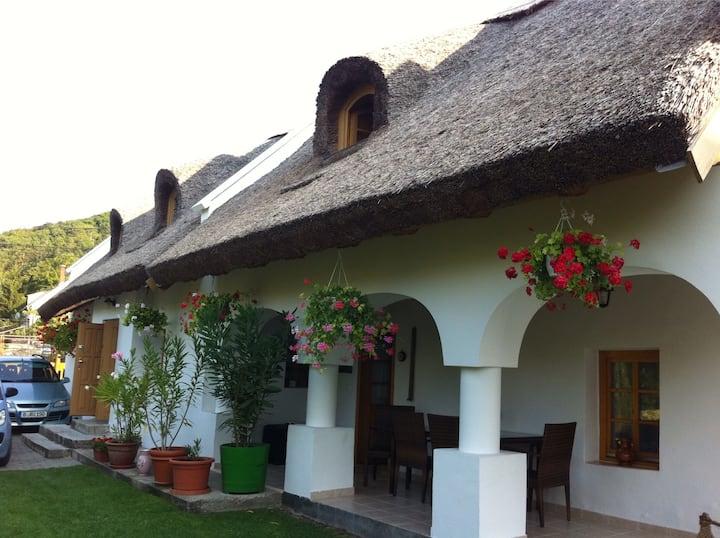 Balaton: Bájos parasztház Idyllisches Bauernhaus