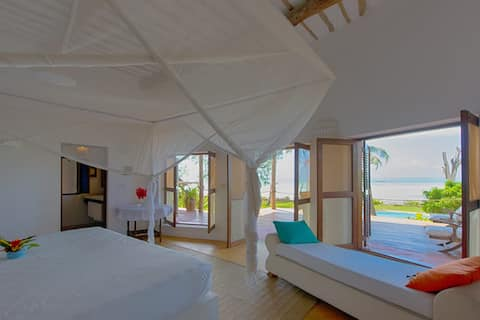Deluxe Sea View Room in Beach House Michamvi
