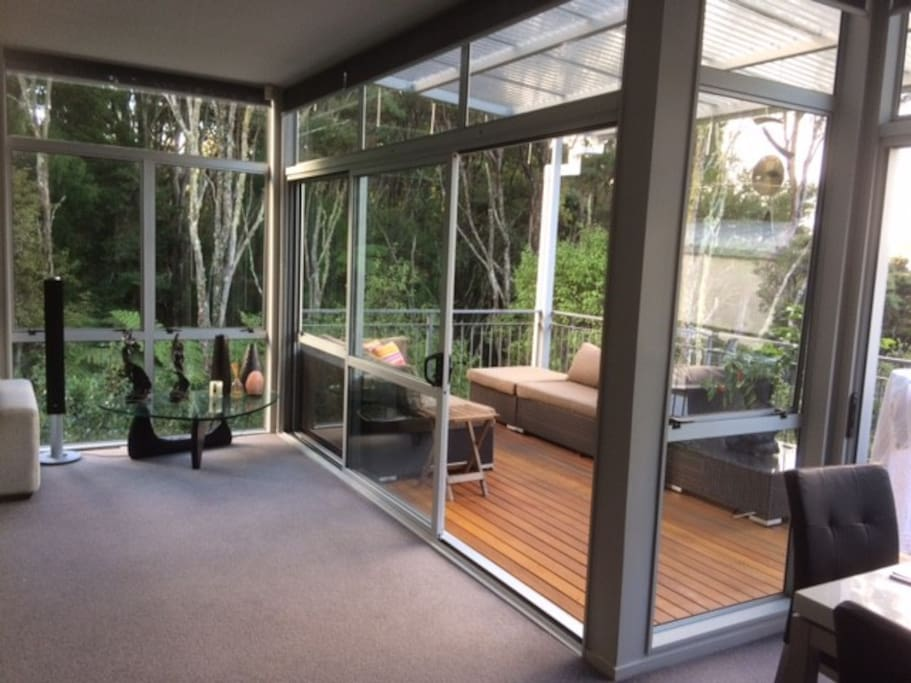 Lounge/Deck
