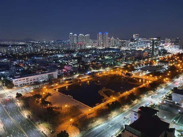 ♡OPEN♡ 송도 신축 로얄층, 로맨틱한 야경 품은 집(1.5룸)