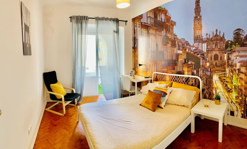 Central Room in Lisbon, Rua Morais