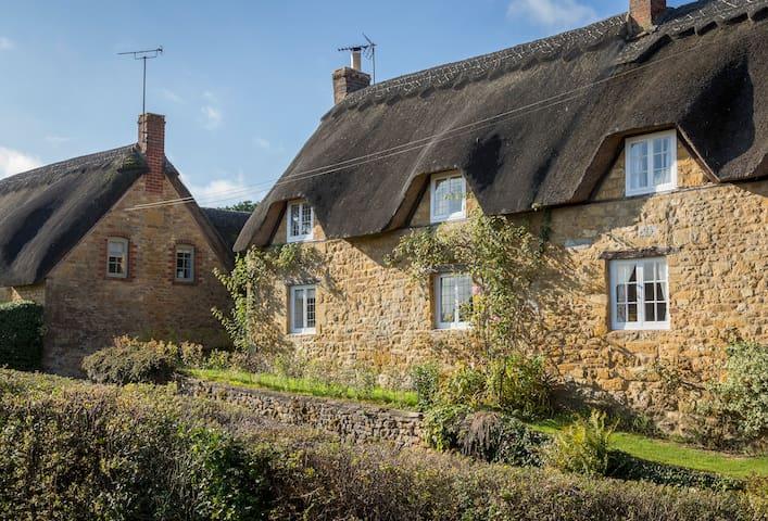 Fabulous Cottage near to 'The Ebrington Arms'