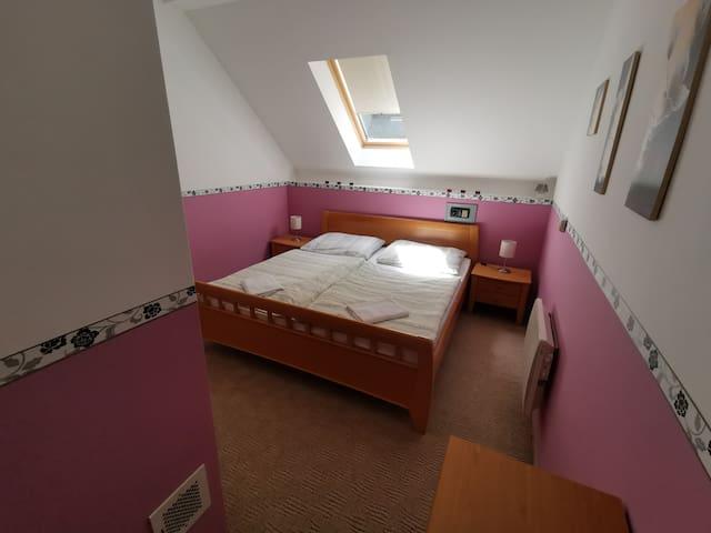 Malá ružová izba