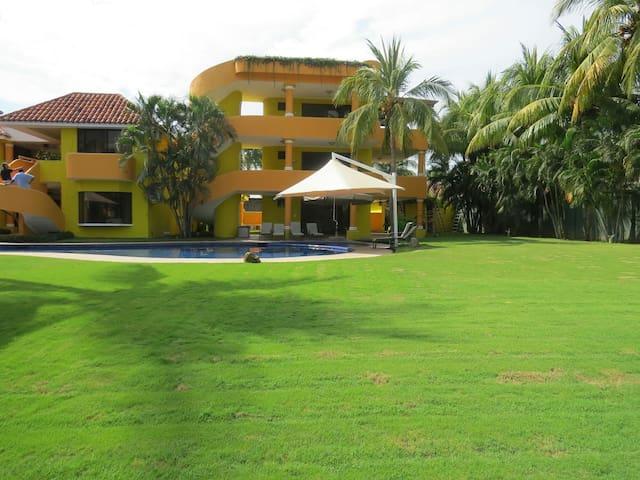 Amazing Vacation Mansion