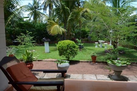 Spacious Rooms with an Organic Garden - Gampaha