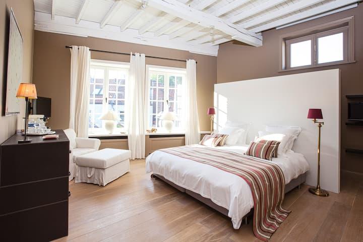 Maison Amodio, B&B Bruges - Room Biarritz