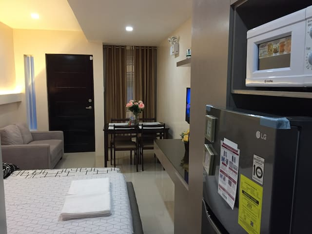 Studio Fully Furnished FastWiFi Parking (Unit-B)
