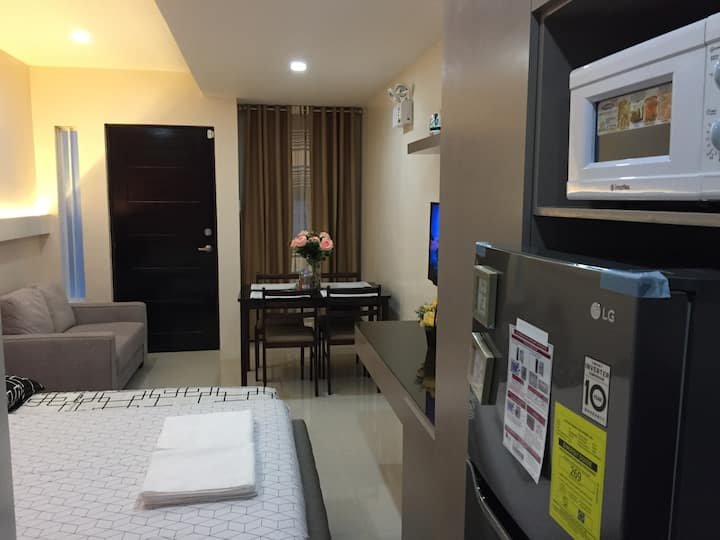 Studio Fully Furnished FastWiFi Parking (Unit-D)