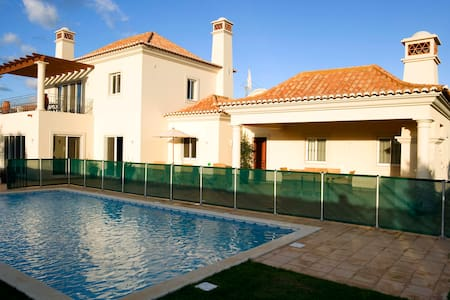 Beach front villa at Quinta do Martinhal, Sagres - サグレス