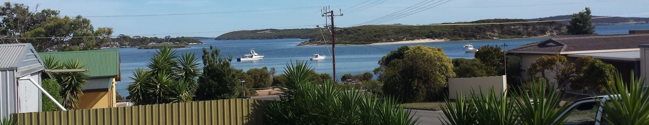"""Howsthaserenitee"" in Coffin Bay"