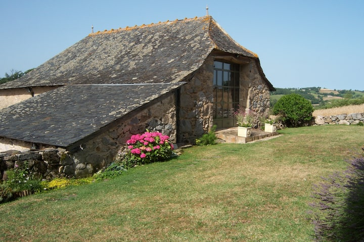 Quiet rural Gite with Secure Pool, peaceful setting