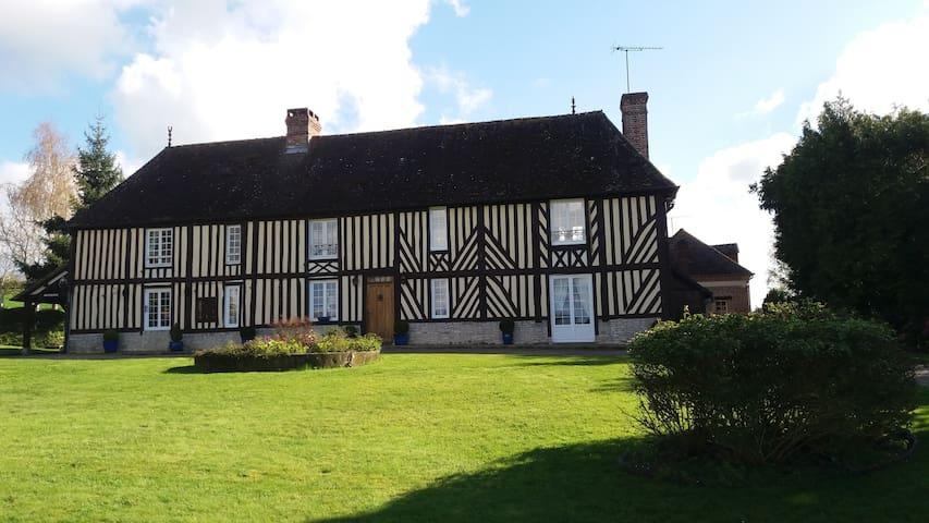 maison typique au coeur du Pays d'Auge - Sainte-Marguerite-de-Viette - House