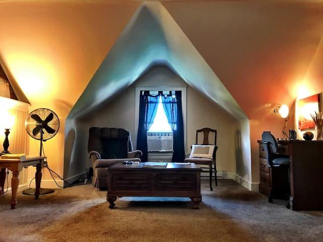 Musician/Artist Loft in Downtown Cincinnati Area