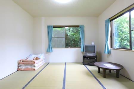 Yakushima Guesthouse Suginoko(L13) - Yakushima-chō - Bed & Breakfast