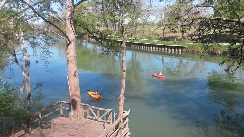 Guadalupe River Getaway - Seguin - House