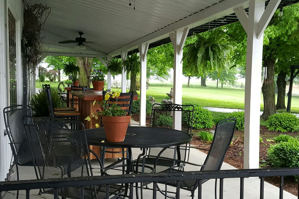 Front porch at Adam's Breezy Hill Farm Restaurant.