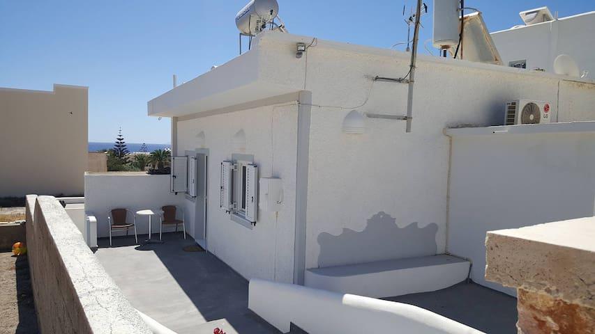 Theonis house