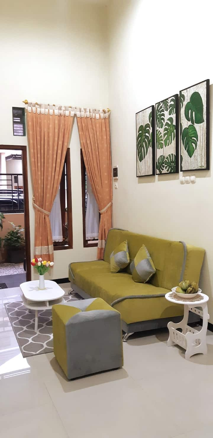 Grand Palm Guest House (Homestay) Solo