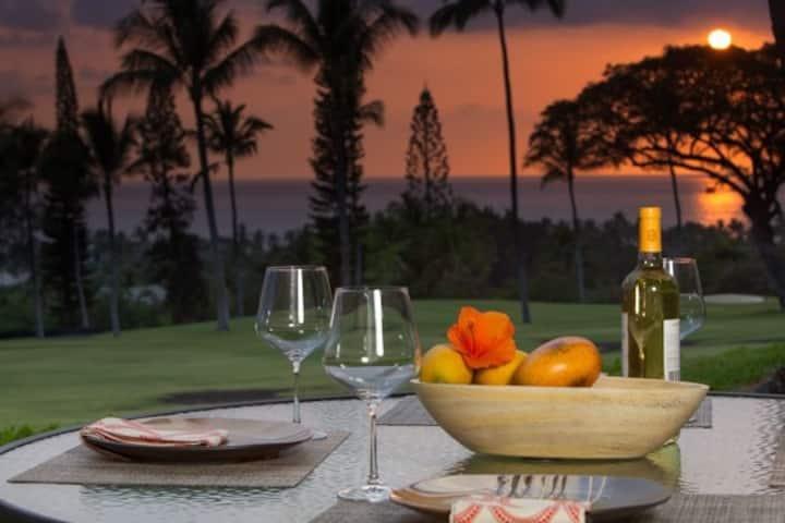 Beautiful 2/2 condo in Kailua Kona. Ocean View!