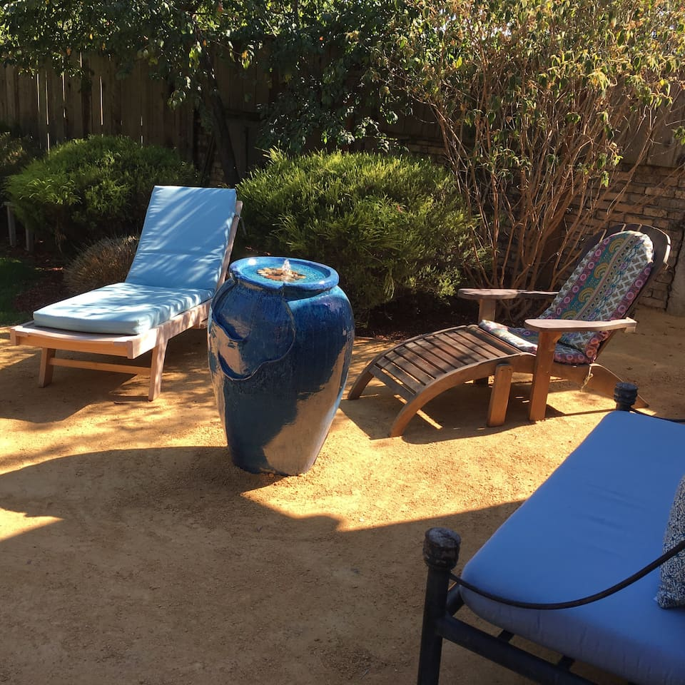 Garden Oasis in the city - Guesthouses for Rent in Oakland ...