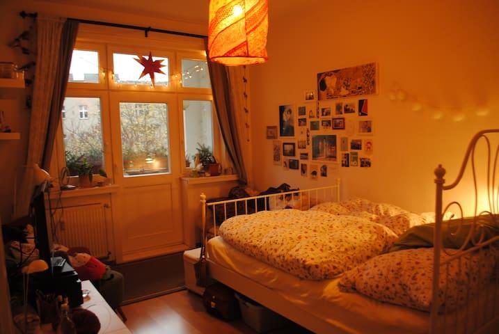 cosy 18 qm room in a flat share in Schöneberg