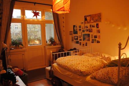 cosy 18 qm room in a flat share in Schöneberg - Berlin