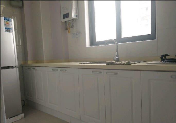 浦东三林 金谊河畔二期 2室 2厅 108平米(个人) - Fuzhou - Casa