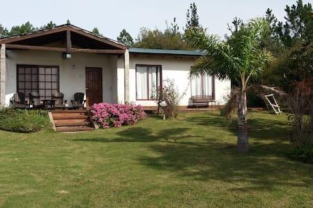 Casa de campo 11 has, entorno panorámico Ruta 12 - El Edén